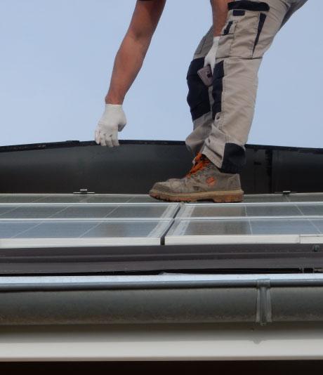 Intervention d'un Technicien France Dépannage Photovoltaique à Aurillac